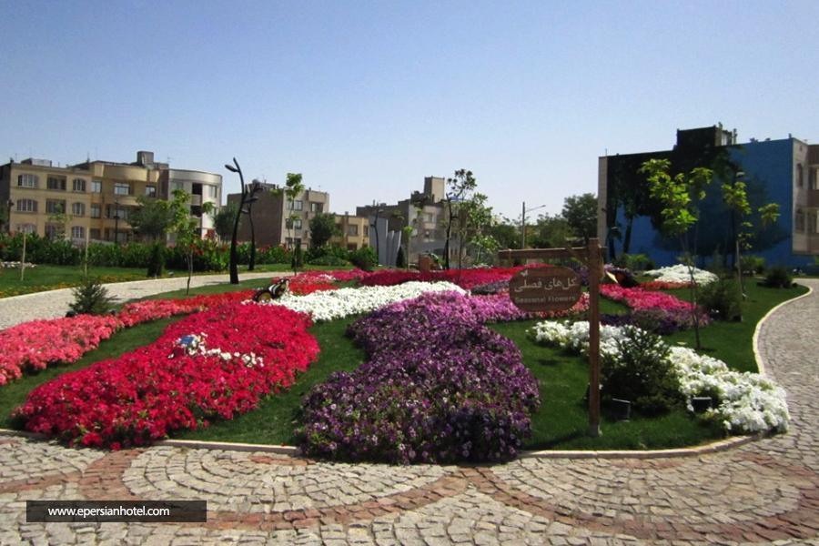 مشهد؛ باغ گلها