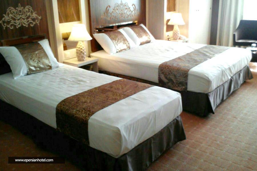 هتل آفتاب شرق مشهد اتاق سه تخته