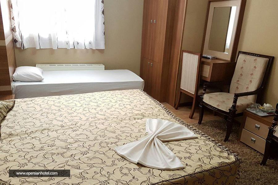 هتل الرحمن مشهد اتاق سه تخته