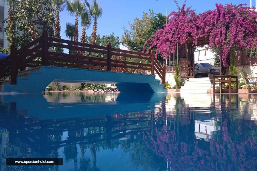 هتل آگون آنتالیا استخر