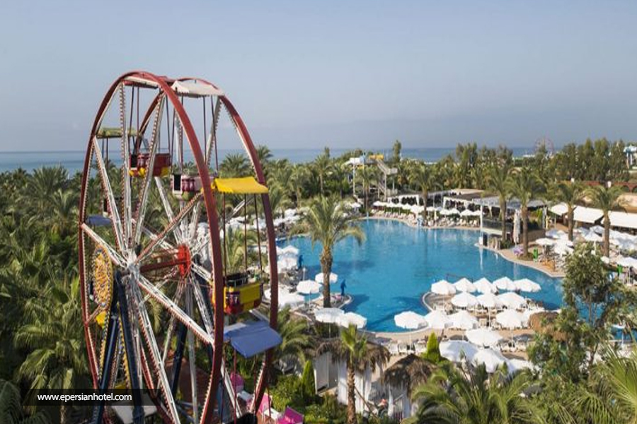 هتل دلفین پالاس آنتالیا استخر