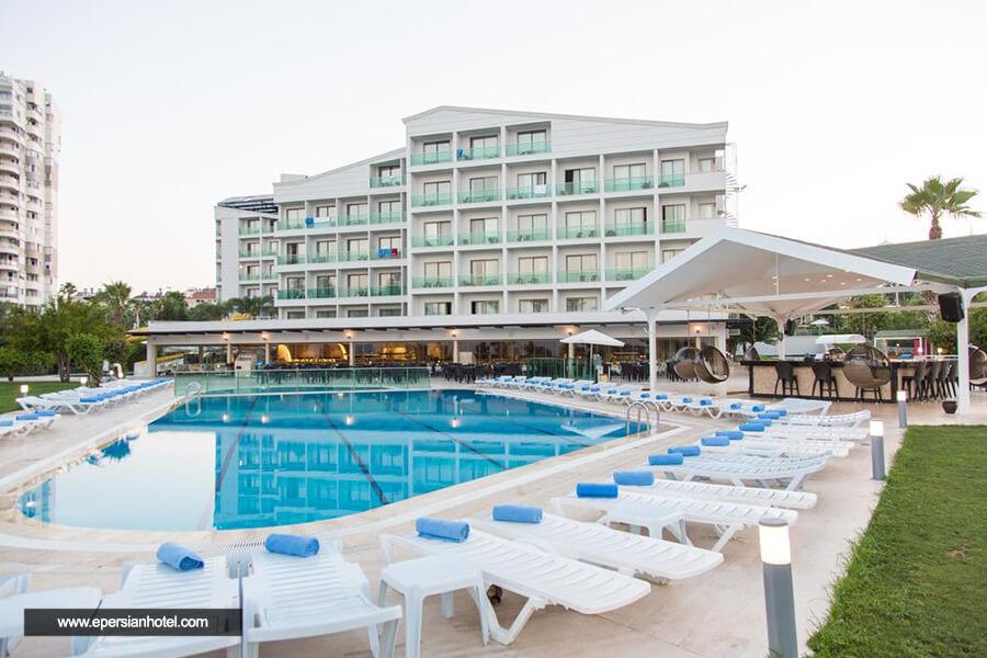 هتل کلاب فالکن آنتالیا استخر