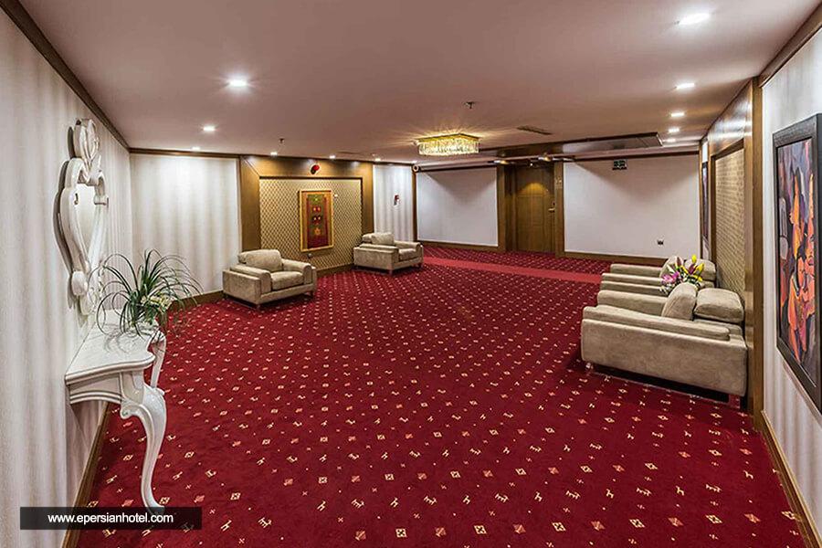 هتل آپارتمان آرمان مشهد راهرو