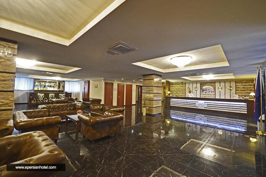 هتل آستوریا تفلیس لابی