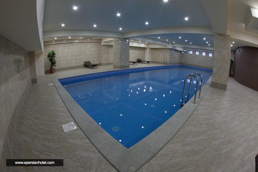 هتل آستوریا تفلیس استخر