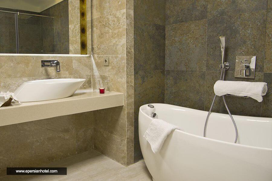 هتل اترک مشهد حمام