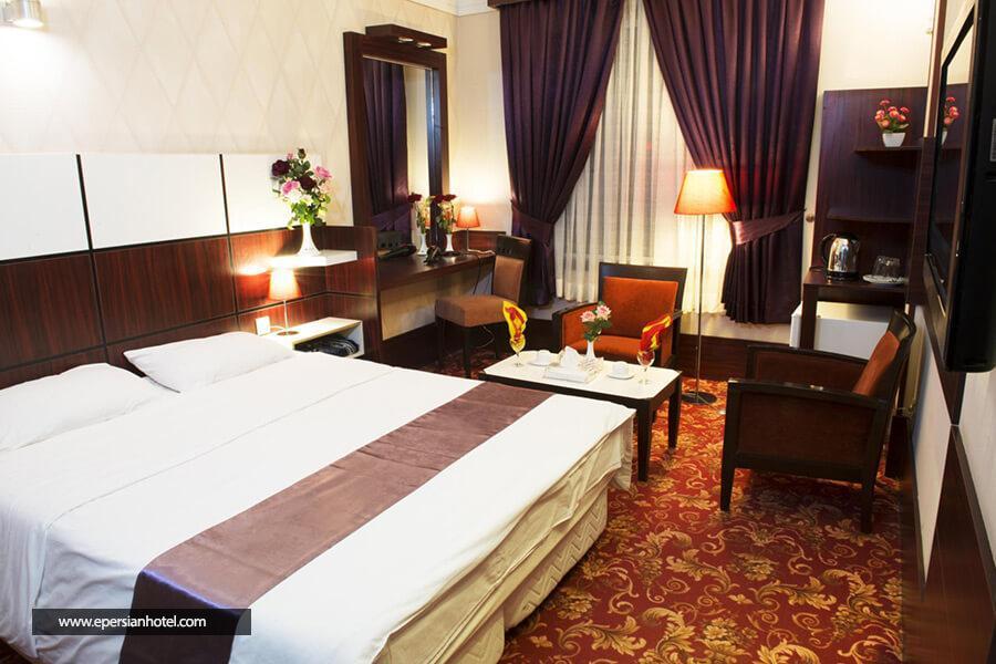 هتل آزادی مشهد اتاق دو تخته دابل