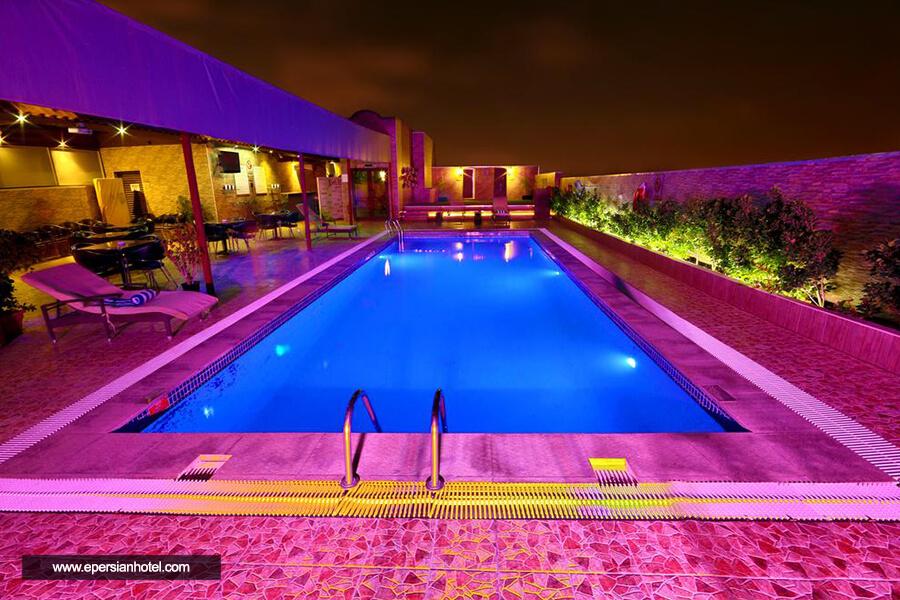 هتل اکسلسیور داون تاون دبی استخر