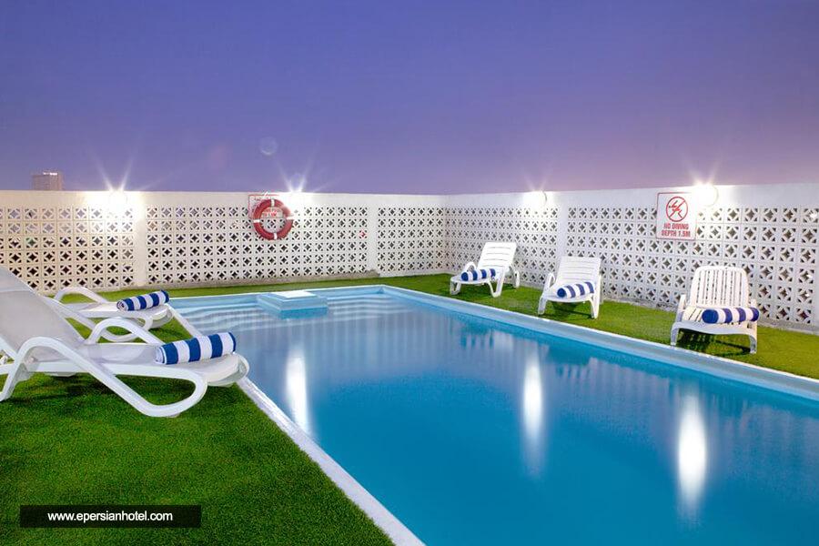 هتل لندمارک بنیاس دبی استخر
