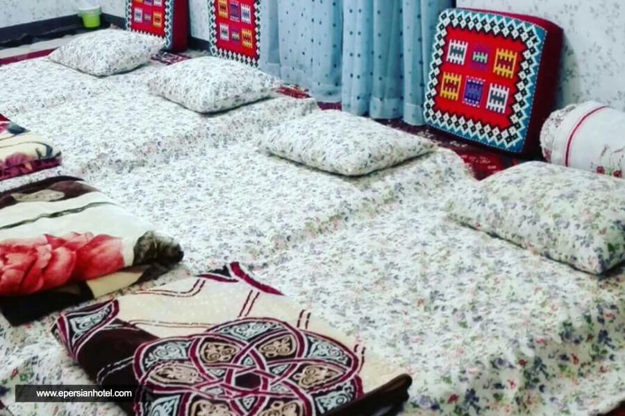 اقامتگاه بومگردی قشقایی یزد اتاق چهارتخته
