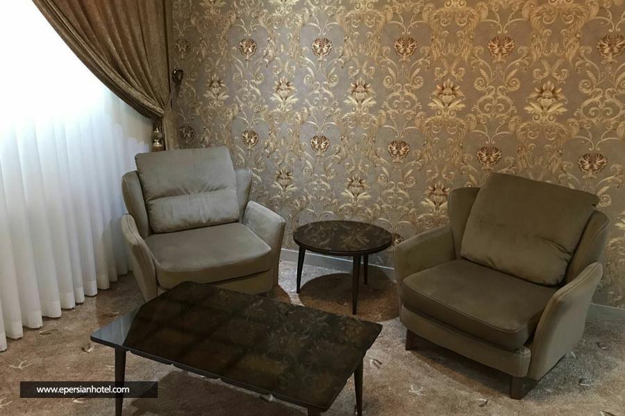 هتل آپارتمان هومن مشهد نمای داخل اتاق