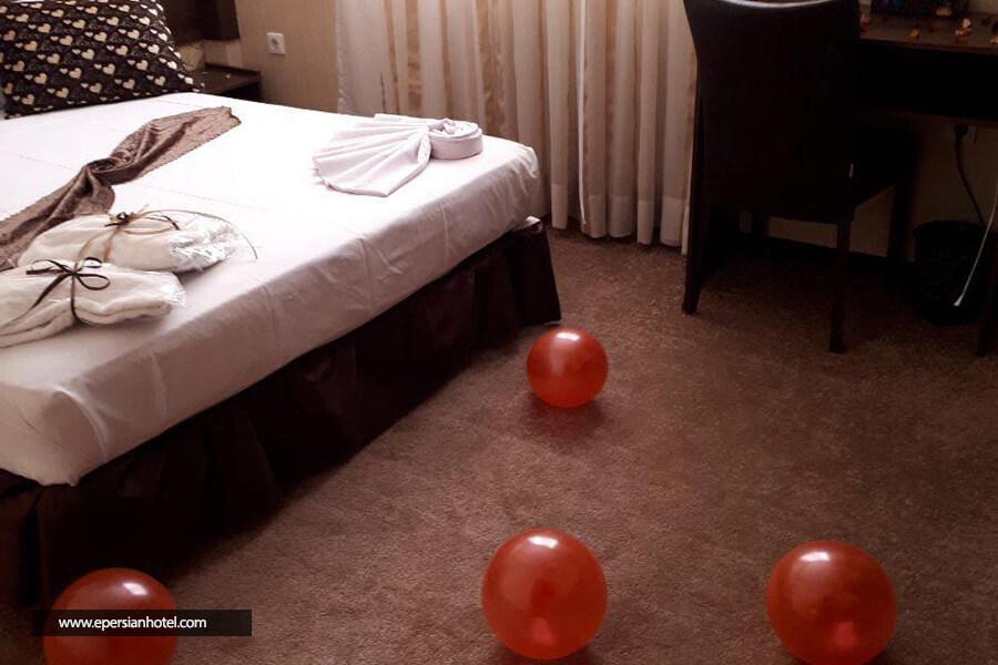 هتل ایساتیس مشهد اتاق دو تخته