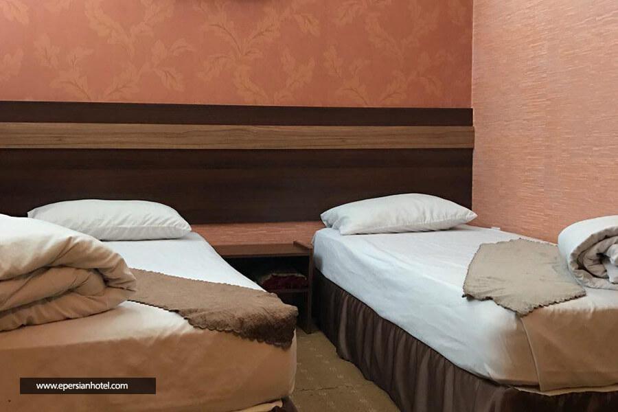 هتل ایساتیس مشهد اتاق سه تخته