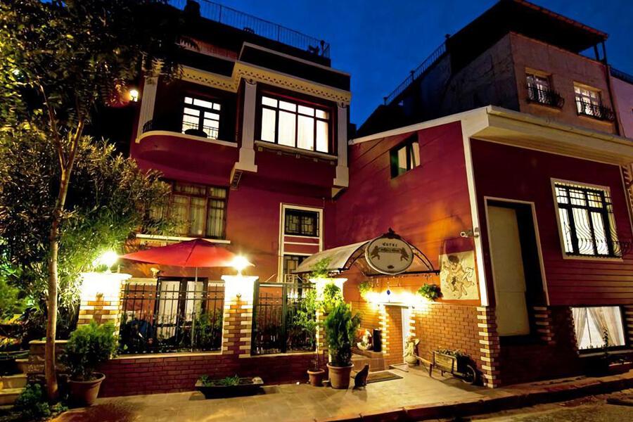 هتل آنجلز هوم استانبول نما