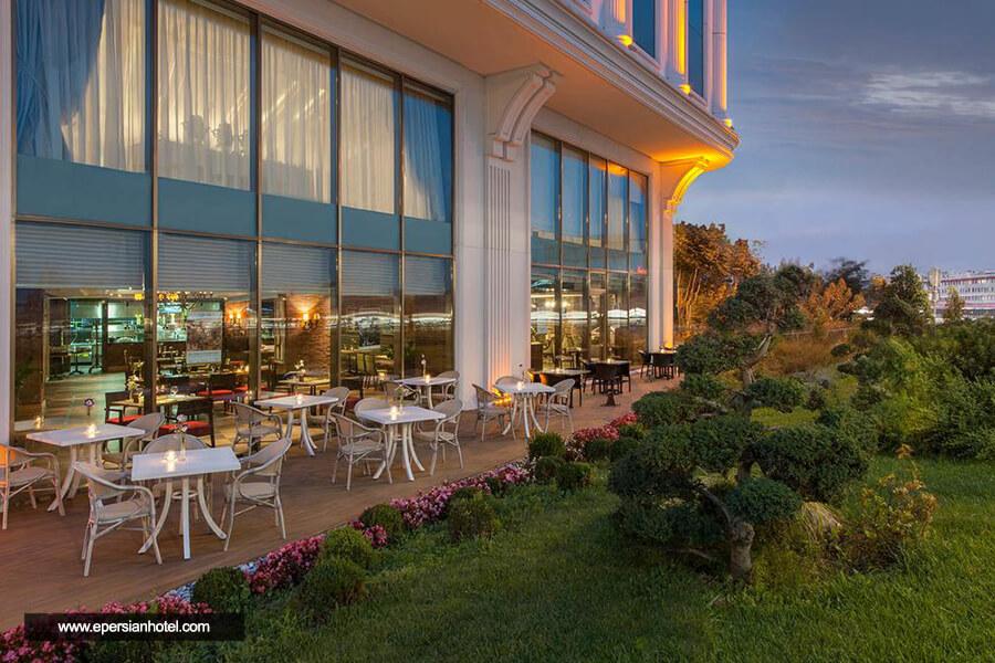 هتل الیت ورد بیزینس استانبول فضای سبز