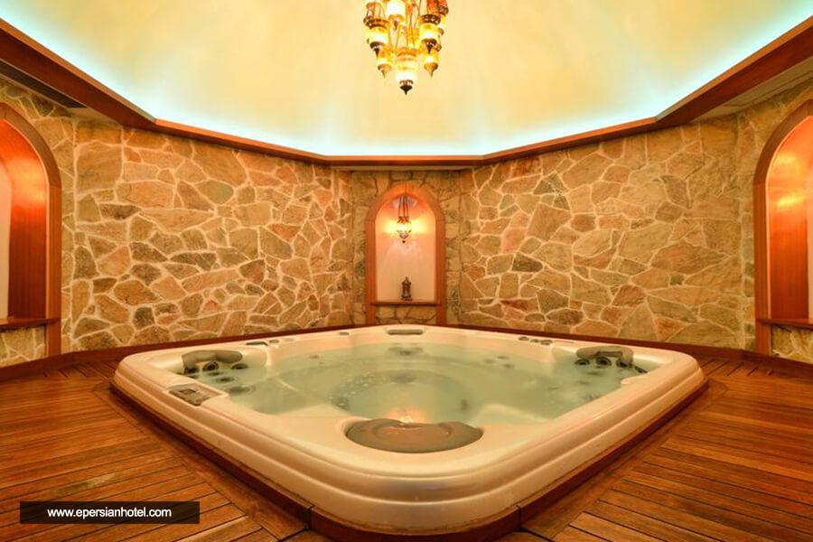هتل هالیدی این سیتی استانبول حمام ترکی