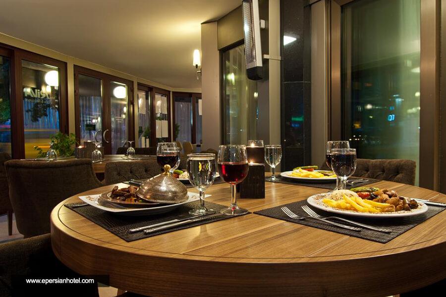 هتل ریوا استانبول رستوران