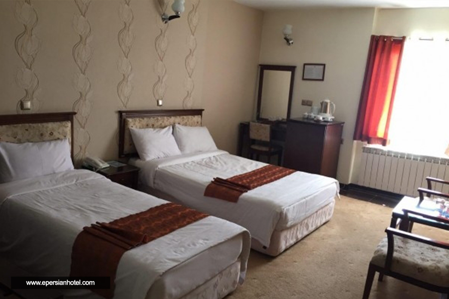 هتل جهانگردی سنندج اتاق سه تخته