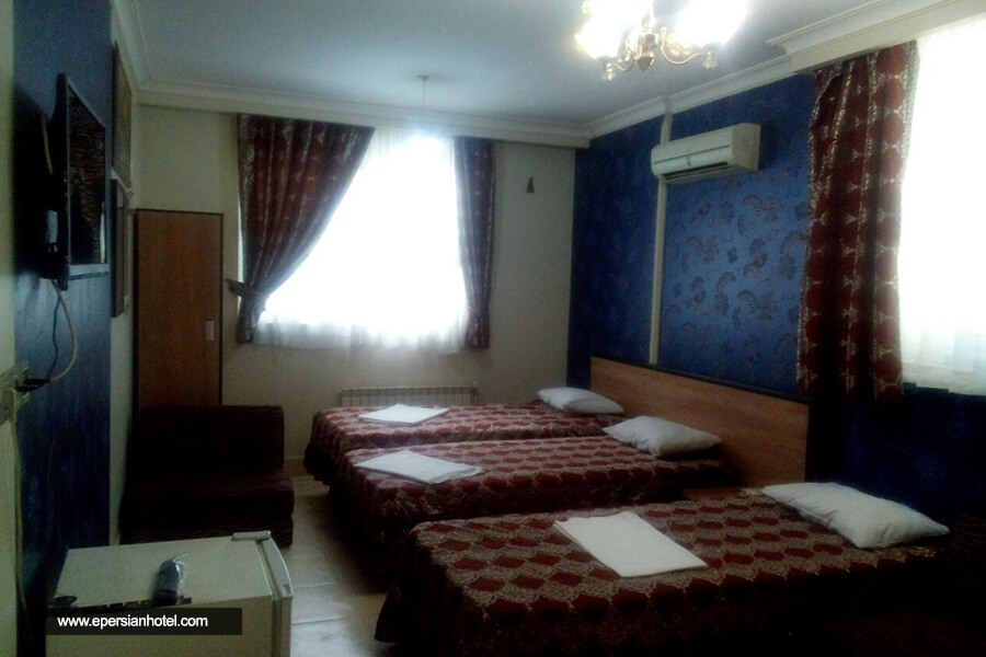 هتل ققنوس کیش اتاق سه تخته