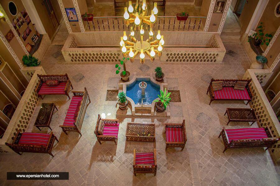 هتل سنتی کوله پشتی یزد لابی