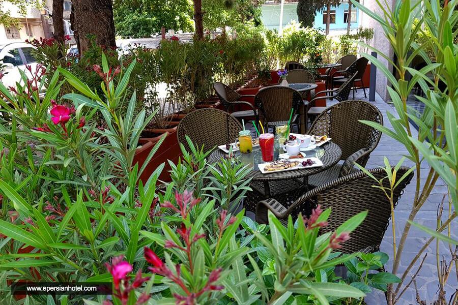 هتل لو پلازا تفلیس رستوران