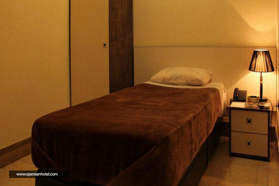 هتل اپادانا class=