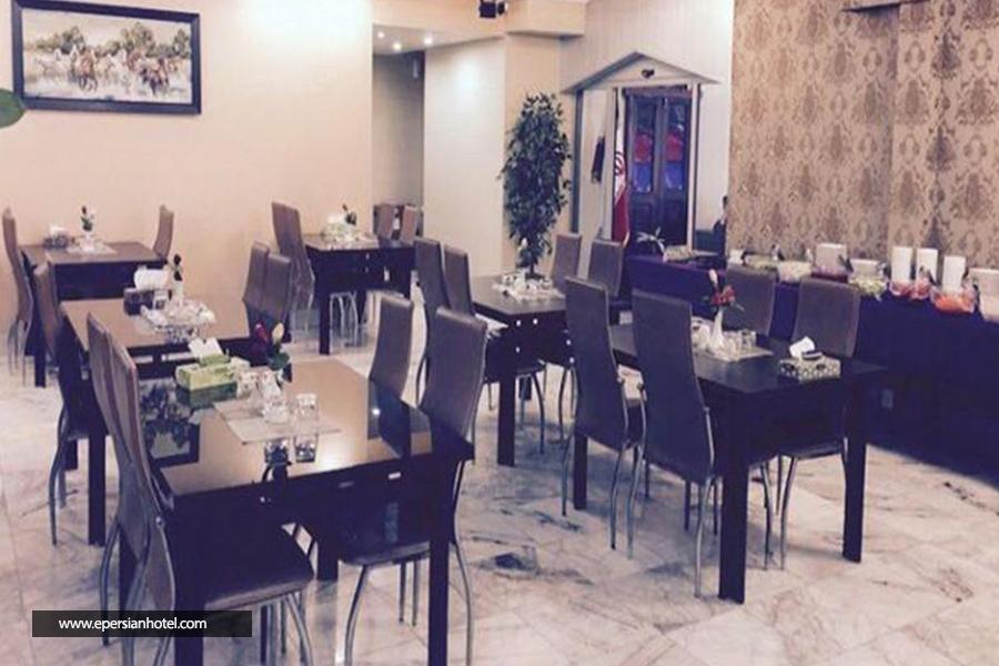 هتل آپارتمان هیرون بوشهر رستوران