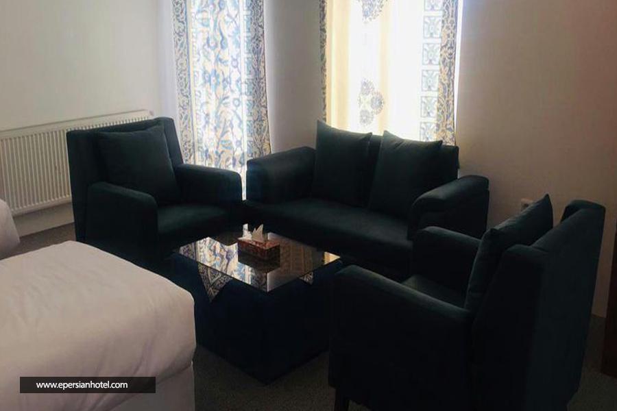 هتل ناکو class=