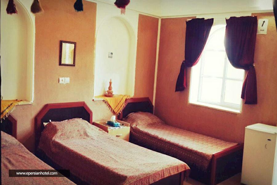 هتل کویر بالی خور اصفهان اتاق سه تخته
