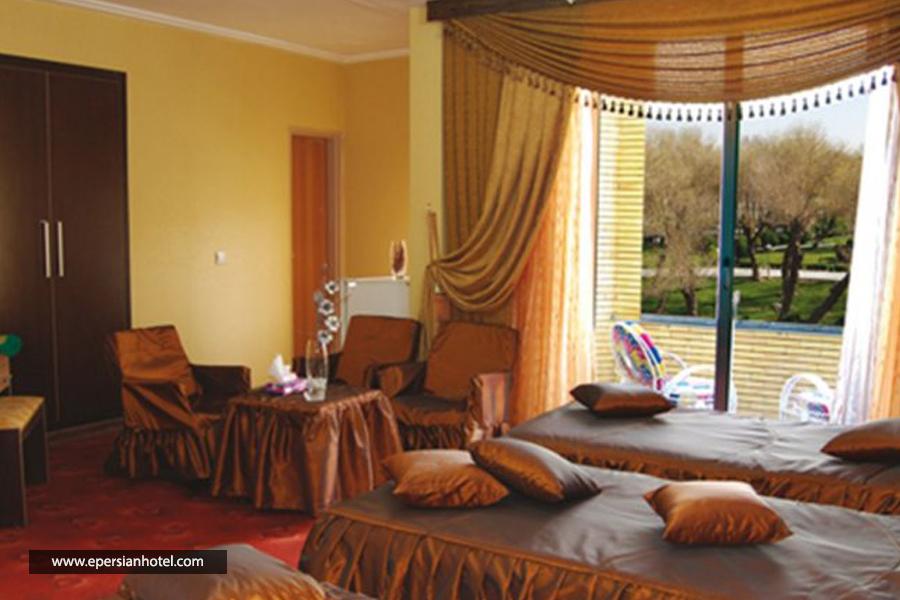 هتل اسپادانا اصفهان اتاق سه تخته