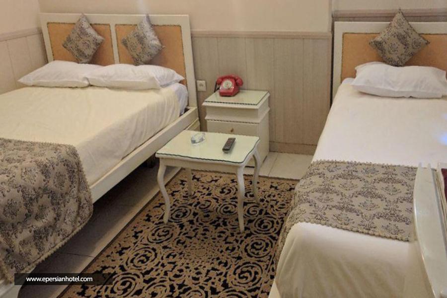 هتل کارون اصفهان اتاق سه تخته