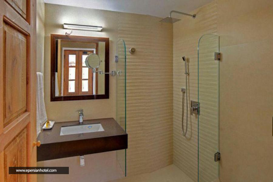 هتل کریاس اصفهان حمام