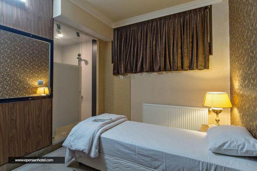 هتل زنده رود اصفهان اتاق یک تخته