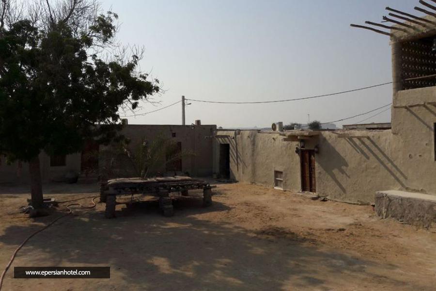 اقامتگاه بومگردی خالو منصور نقاشه قشم نما