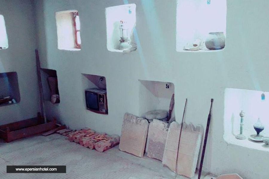 اقامتگاه بومگردی موزه باغ قشم اتاق