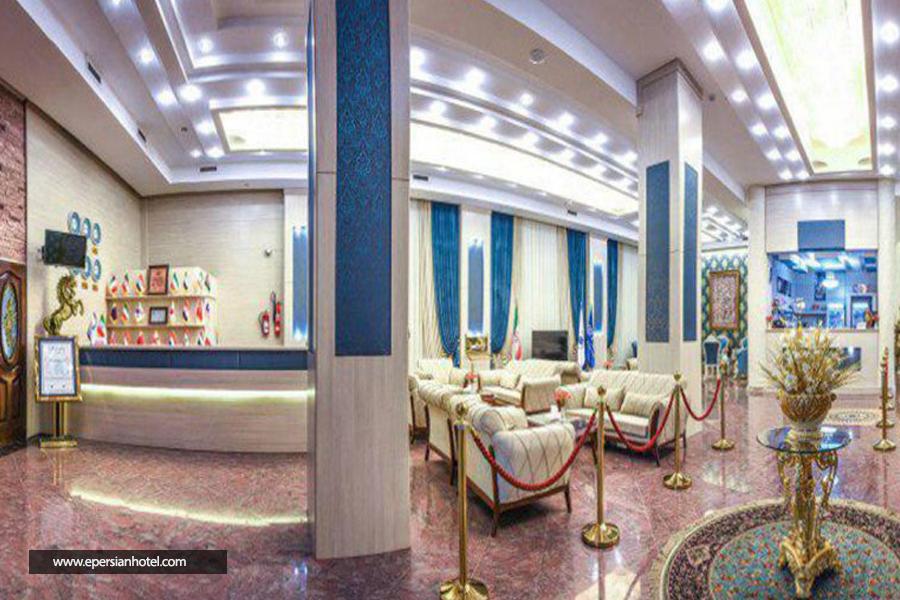 هتل استقلال قم لابی