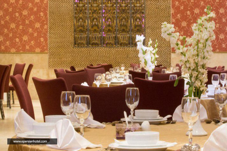 هتل بابا طاهر class=