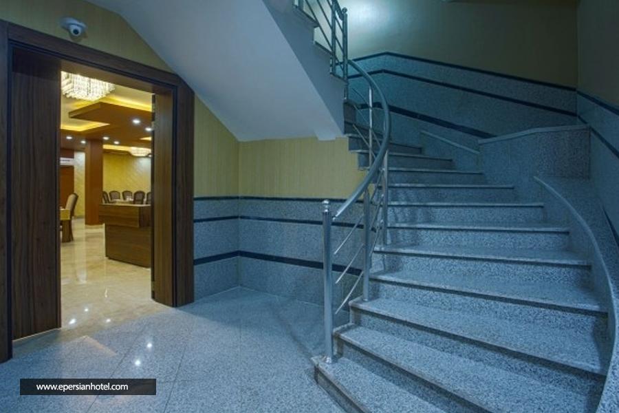 هتل هزار کرمان راهرو