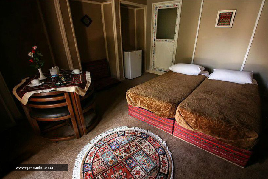 هتل ایوان ماهان class=
