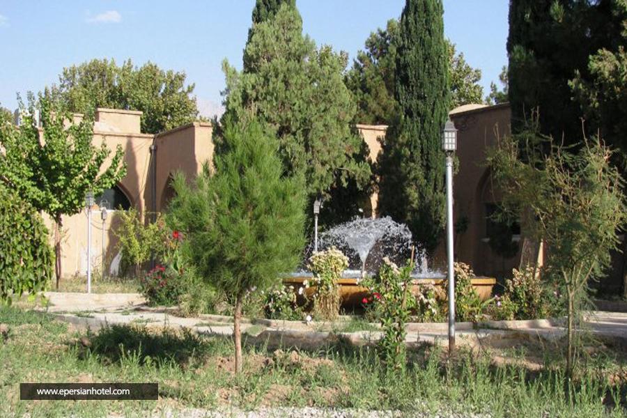 هتل جهانگردی ماهان کرمان نما