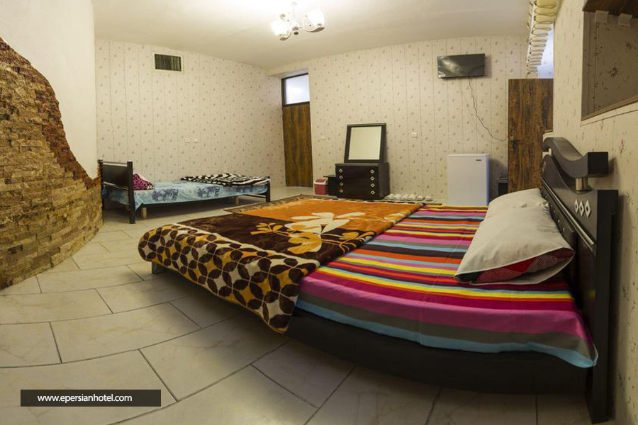 هتل کرمانیا کرمان اتاق سه تخته