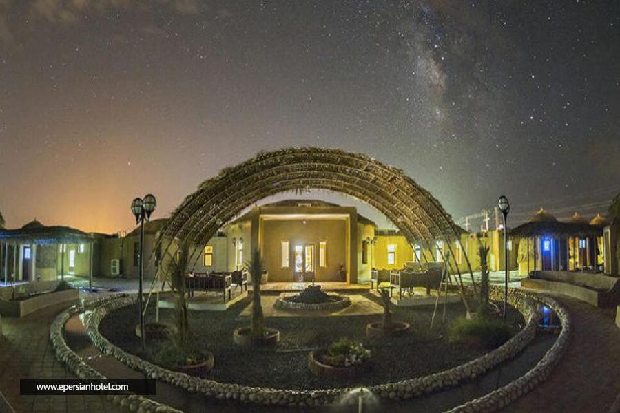 هتل کپری قلعه گنج کرمان نما