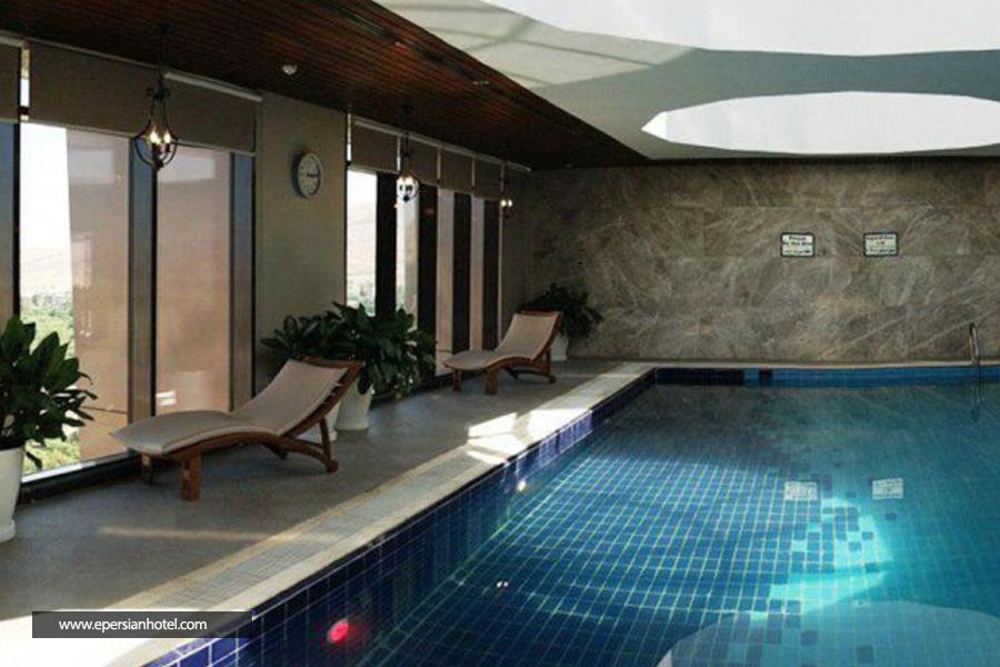 هتل آنا ارومیه استخر