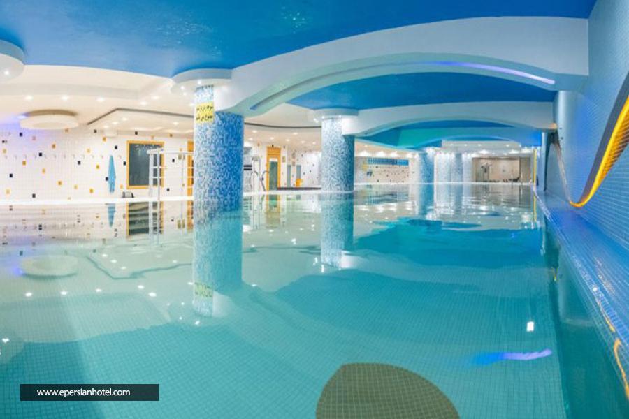 هتل هما شیراز استخر
