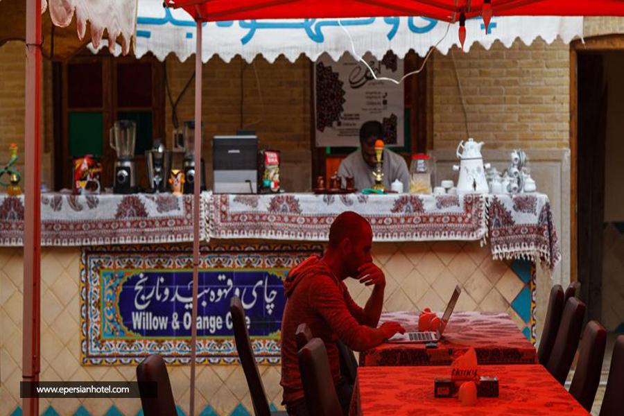 هتل سنتی نیایش شیراز کافی شاپ