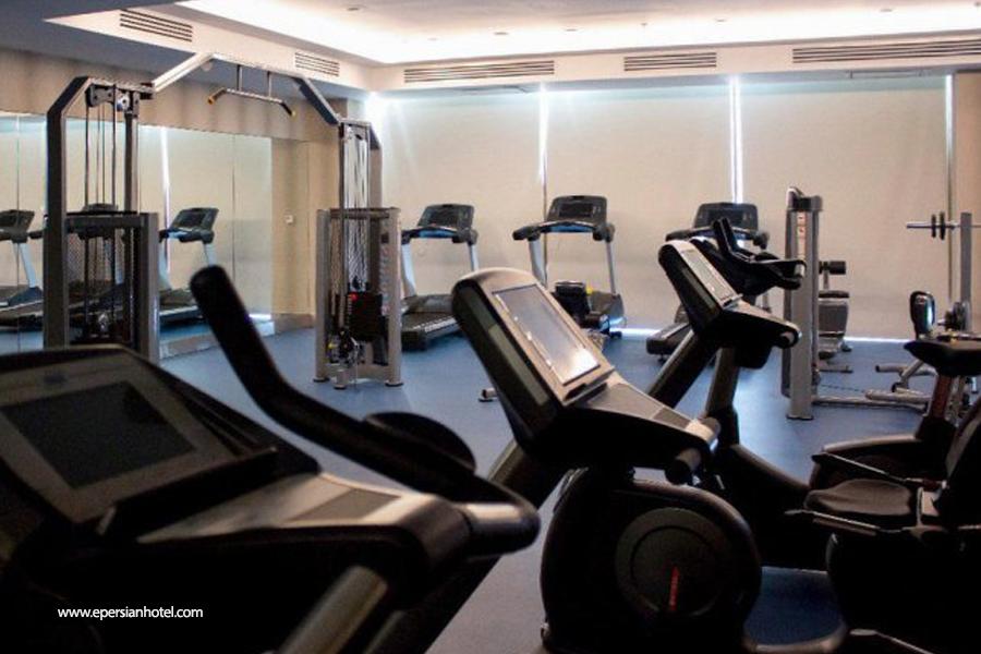 هتل لاله پارک تبریز سالن ورزشی