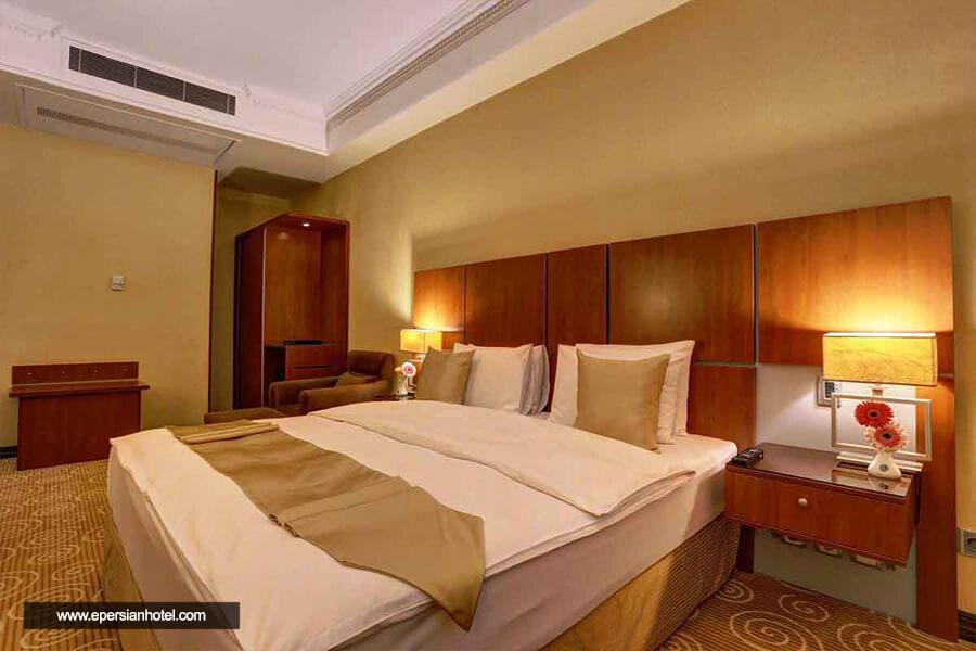 هتل بزرگ 2 تهران اتاق دوتخته