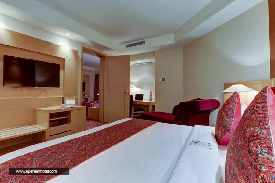 هتل پارسیان آزادی تهران class=