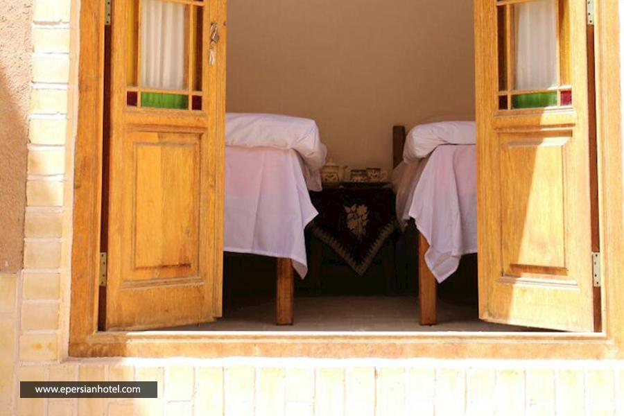 اقامتگاه بومگردی دالون یزد اتاق