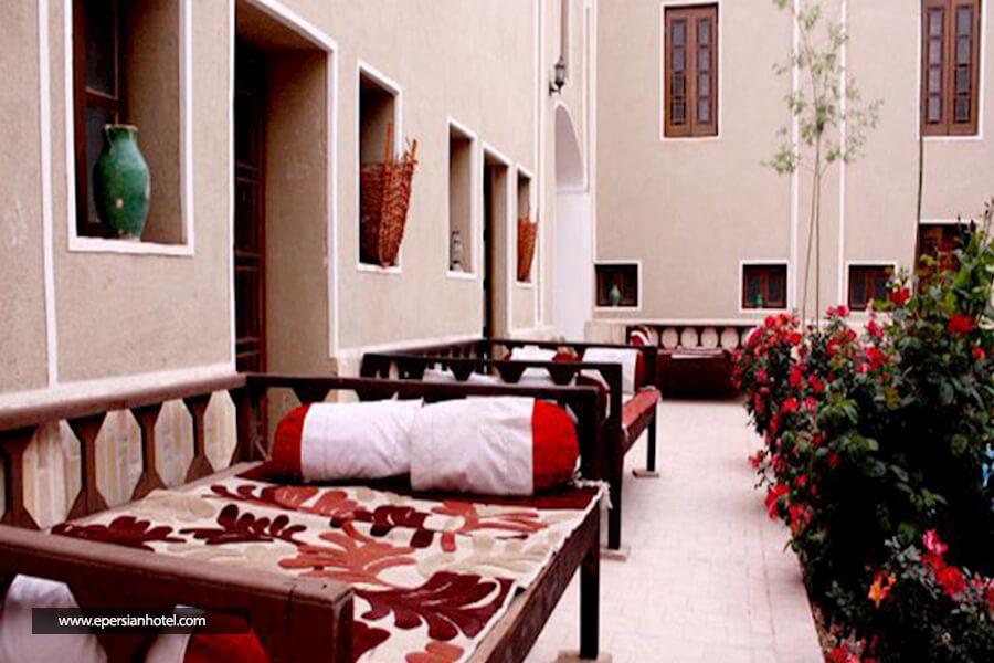 هتل سنتی کوروش یزد نما